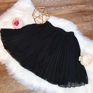 Hollister Black Ruffle Skirt SIZE XS
